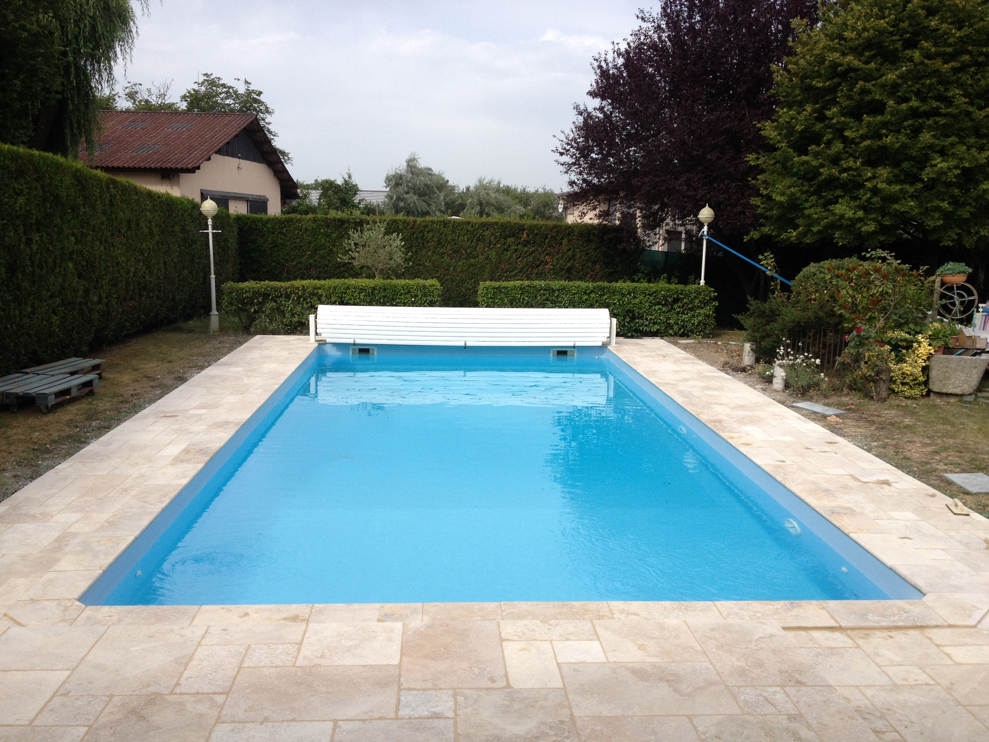 Piscines reflet carrelage for Pose carrelage pierre