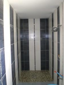 Faïence blanche et noir 20x40 Listel mosaïque en colonne